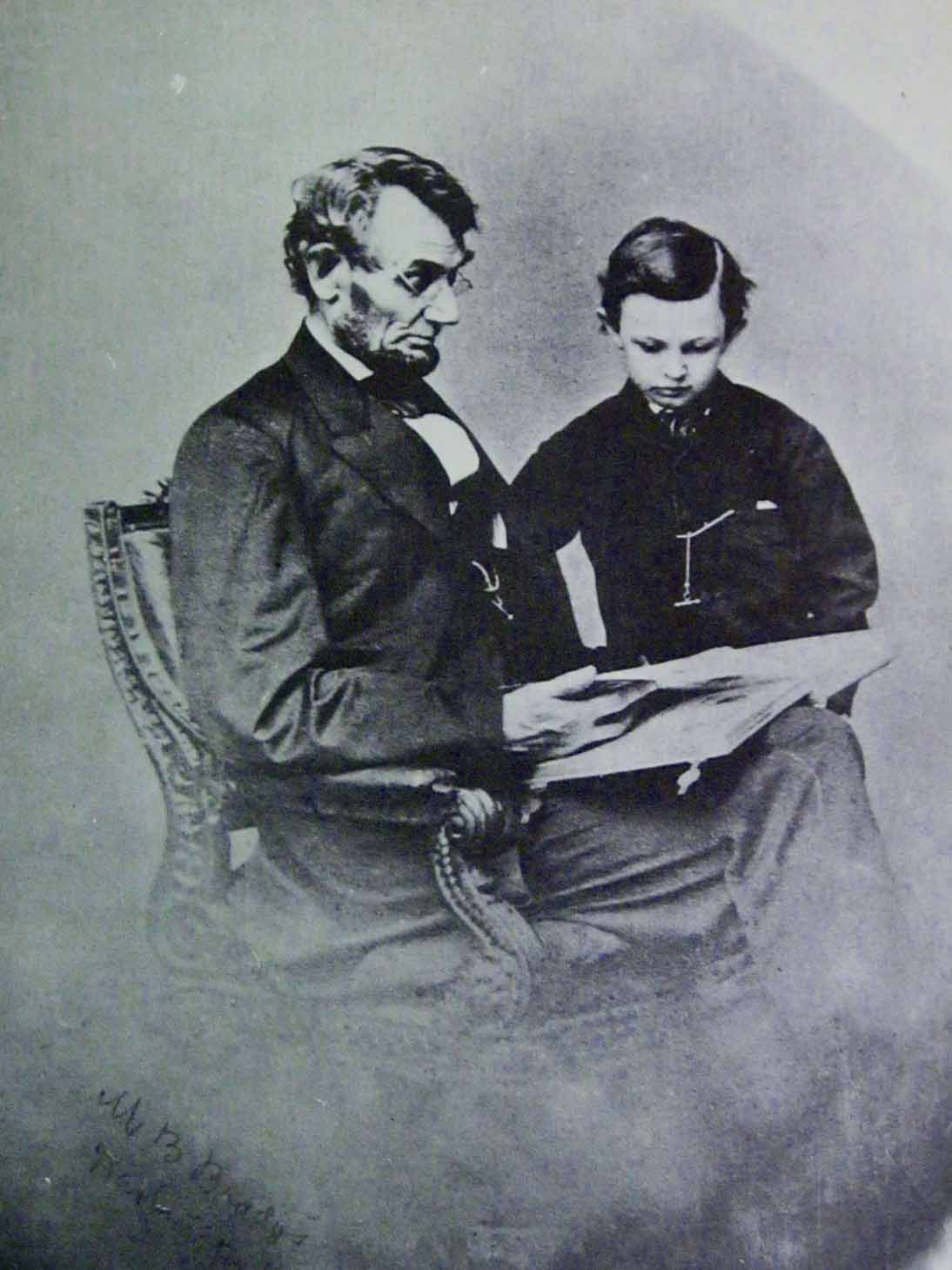 descriptive essay about abraham lincoln Essays about abraham lincoln - opt for professional and abraham lincoln this essay abraham lincoln and other 62,000+ term papers descriptive essay introduction.